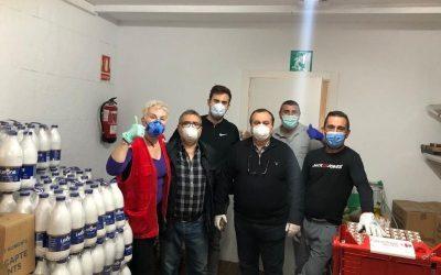 El Gremi d'Hostaleria fa una donació al servei de distribució social d'aliments El Rebost i Càritas