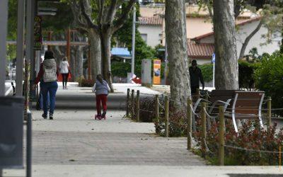Els 9.911 menors de 14 anys de Castelldefels ja poden fer passejades acompanyats d'un adult
