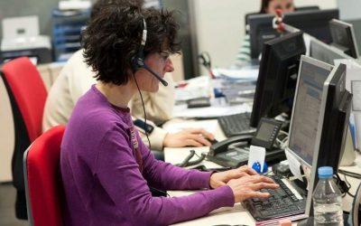 Teleassistència gratuïta per a persones grans a través d'una línia 900