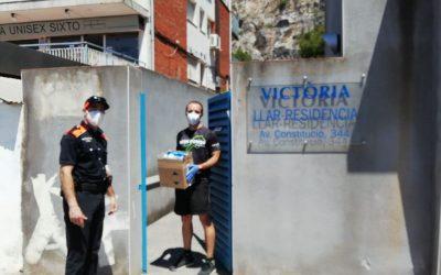 El servei municipal de Protecció Civil continua donant material a serveis d'atenció i entitats socials