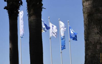 Castelldefels revalida la Bandera Blava per a tota la platja del municipi