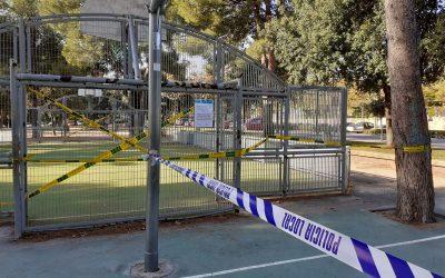 Las pistas deportivas municipales al aire libre, cerradas al público