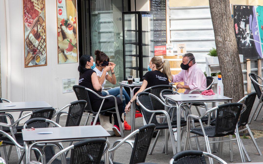 El gobierno de Castelldefels seguirá bonificando a los titulares de terrazas de bares y restaurantes