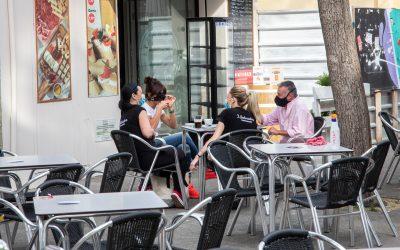 El govern de Castelldefels seguirà bonificant els titulars de terrasses de bars i restaurants