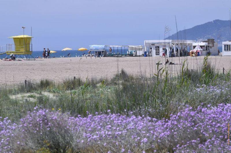 La platja de Castelldefels manté la distinció de la Q de Qualitat Turística per al 2021