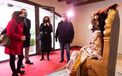 Els Reis Mags porten la seva il·lusió a Castelldefels, malgrat la pandèmia