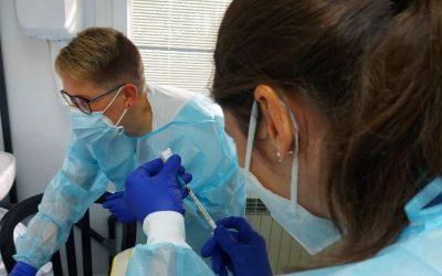 El Hospital de Viladecans inicia la vacunación contra la Covid-19 entre sus profesionales