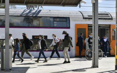 Castelldefels s'obre a la mobilitat metropolitana però matisa que caldria evitar aglomeracions