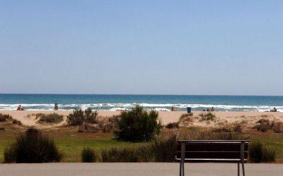 La platja de Castelldefels renova dos distintius de qualitat turística i ambiental