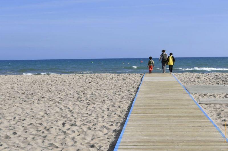 Nueva temporada de baño en la playa de Castelldefels