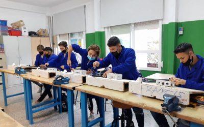 Quaranta-dos joves completen una nova edició dels PFI-PTT de formació professional inicial