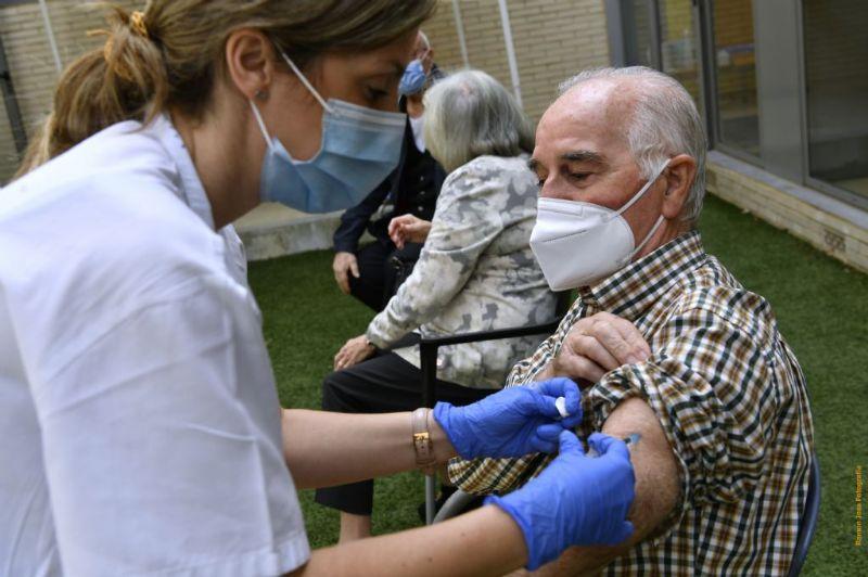 Gairebé el 70% dels veïns i veïnes de Castelldefels tenen la pauta de vacunació completa